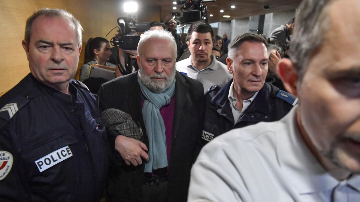 Justicia de Francia pide ocho años de cárcel contra excura que abusó de niños