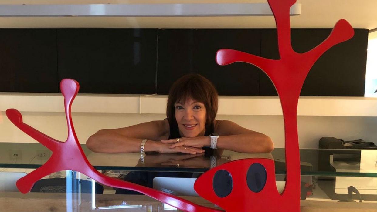 """Menena Cottin: """"Cuando escribo busco la esencia de las cosas complejas"""""""