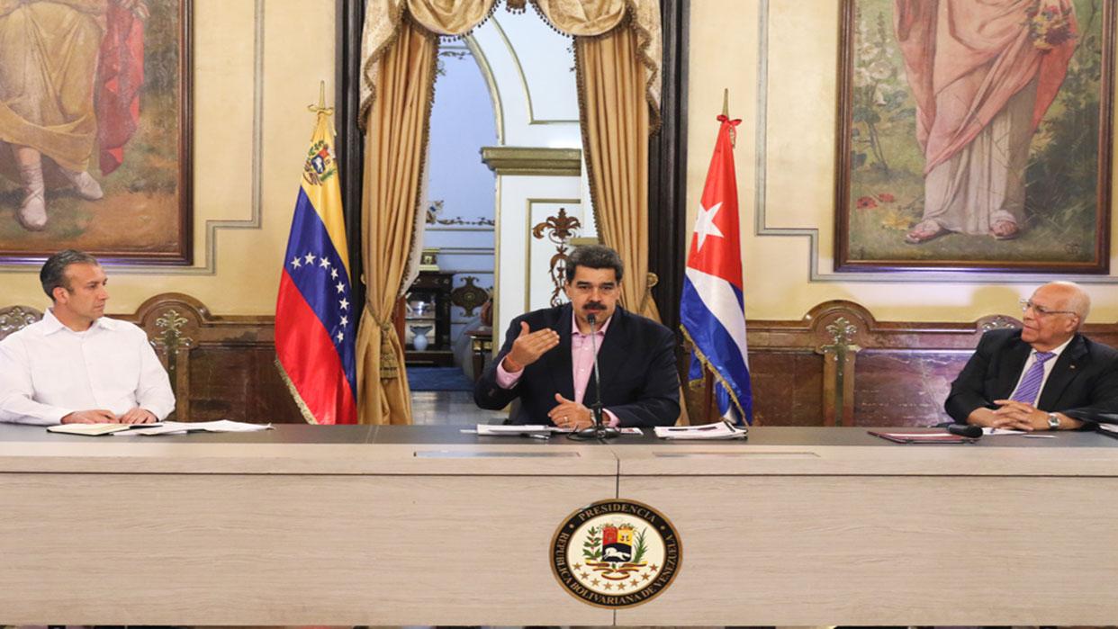 Nicolás Maduro pide apoyo a Cuba para el relanzamiento de Petrocaribe