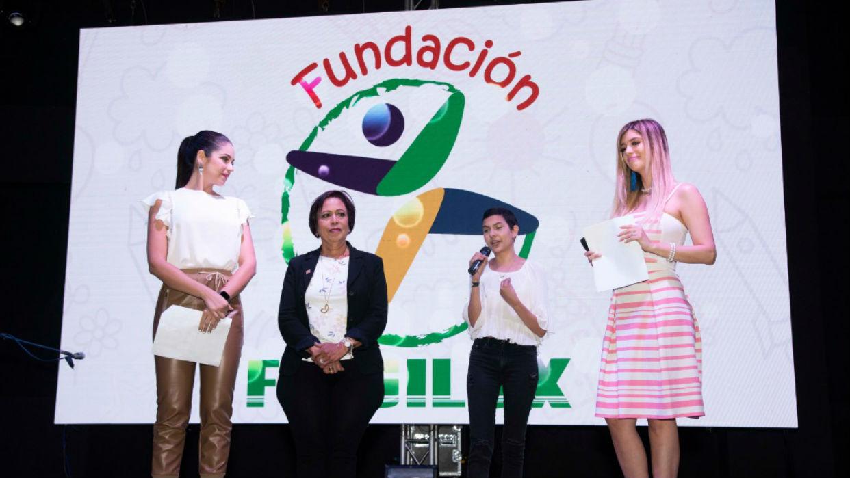 Asociación de Padres de Niños con Cáncer del Hospital J.M. de los Ríos reconoce