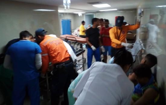 41 adolescentes heridos en vuelco de bus en autopista caracas la guaira 42455