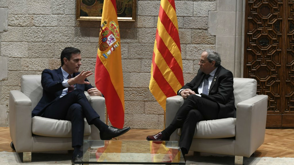 Sánchez comienza la negociación con los separatistas catalanes