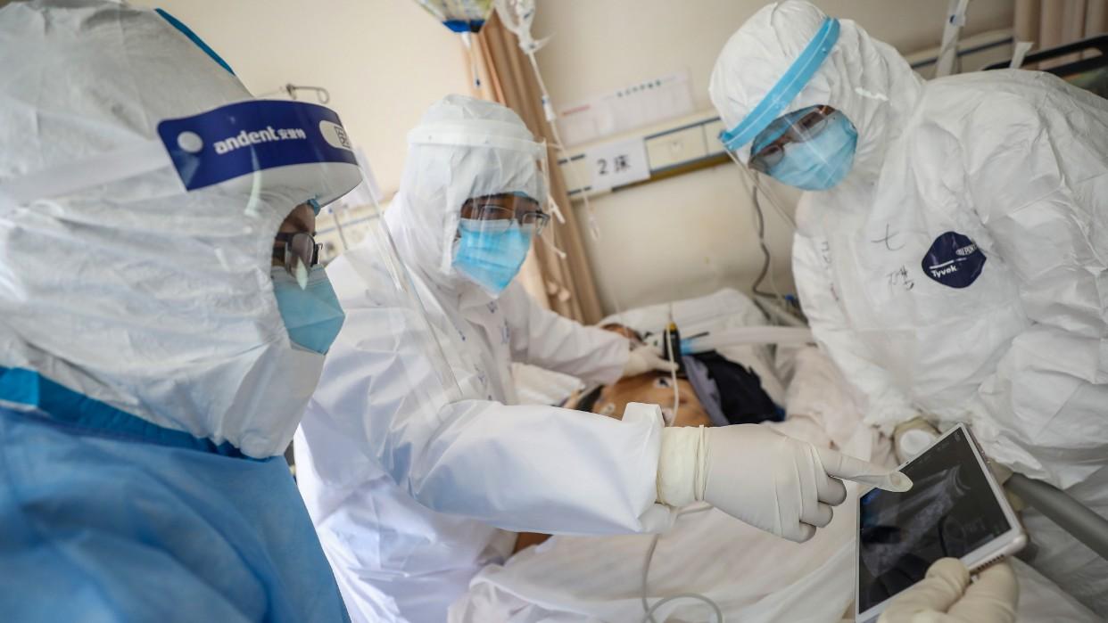 OMS pide calma por el coronavirus que superó las dos mil muertes en China