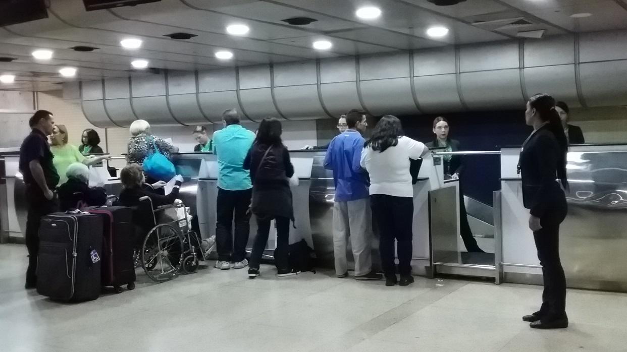 Aerolínea TAP ofreció reembolso a pasajeros varados tras suspensión por 90 días
