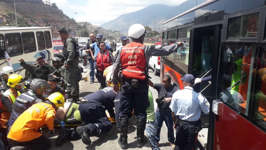 Un muerto y 8 heridos deja accidente en la Gran Mariscal de Ayacucho