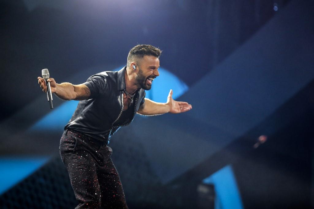 Festival de Viña del Mar abre con protestas y Ricky Martin pidiendo por DDHH