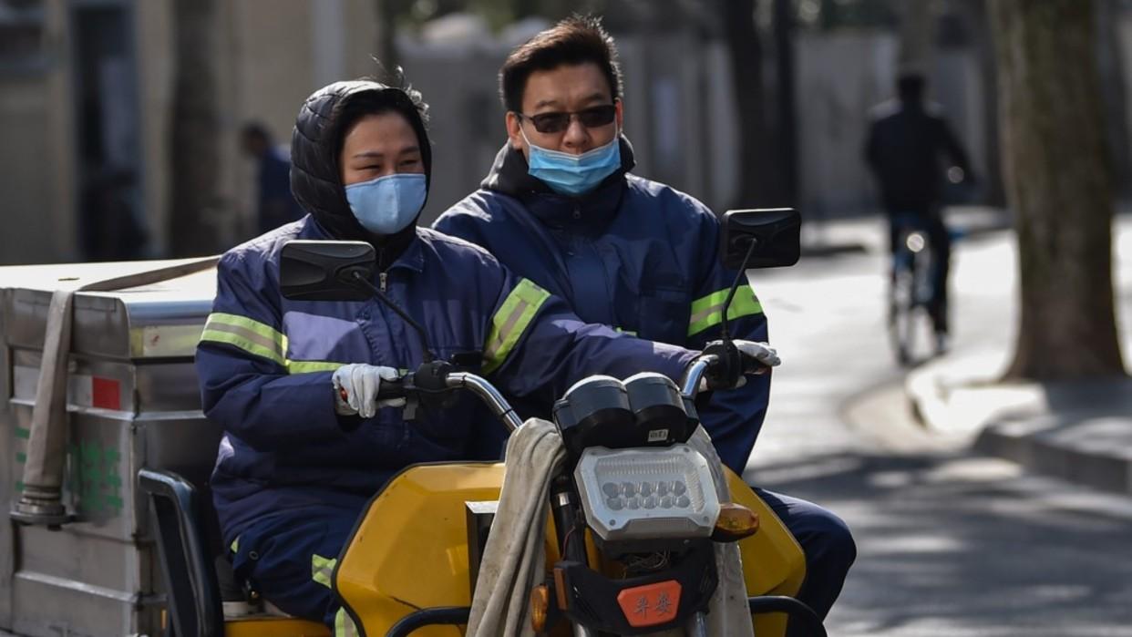 China aumenta a 2.744 la cifra de muertos por el Covid-19