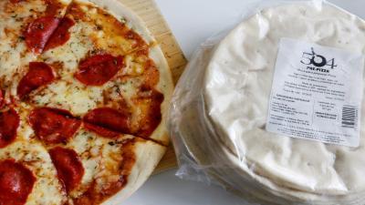 Crea tu pizza favorita con bases pre-horneadas en pocos minutos
