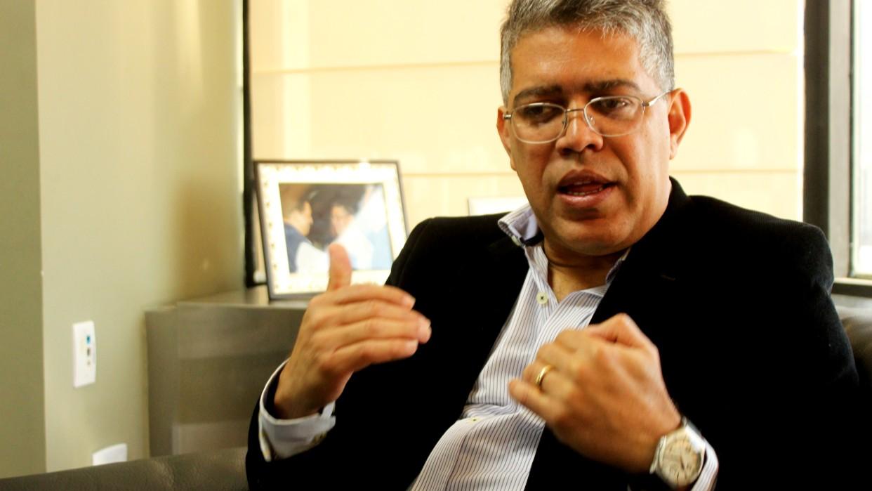 """Jaua pide """"tiempo"""" al enfrentamiento político"""