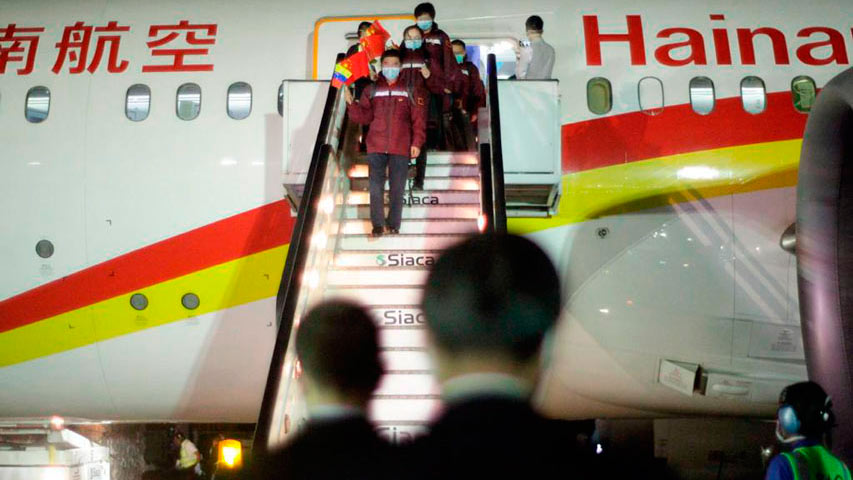 Venezuela recibe médicos e insumos enviados por China