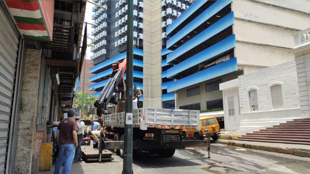Corpoelec reemplazó transformador frente a La Cruz Roja