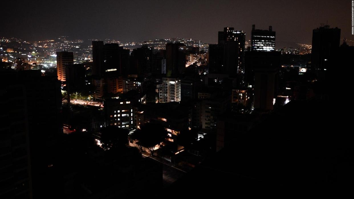 Fuerte bajón eléctrico afectó varias zonas de Caracas