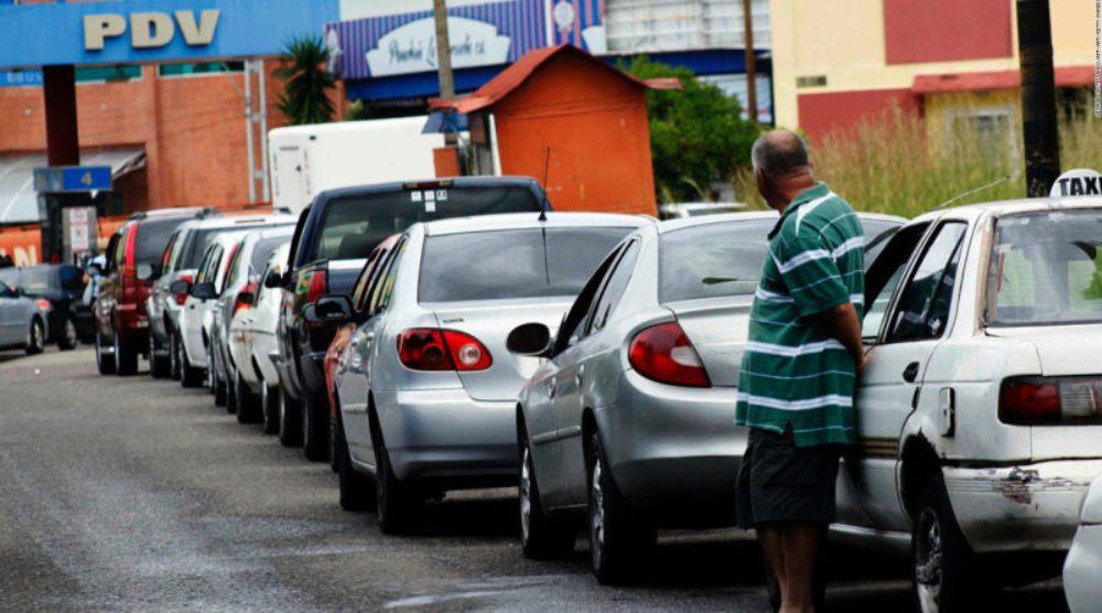 "Ronderos: ""Importación de gasolina revela incapacidad del régimen para reestructurar la industria petrolera"""