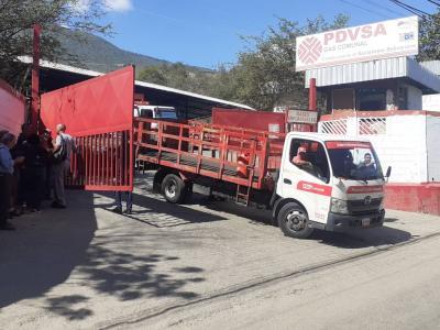 Persisten retrasos en despacho de gas en La Guaira