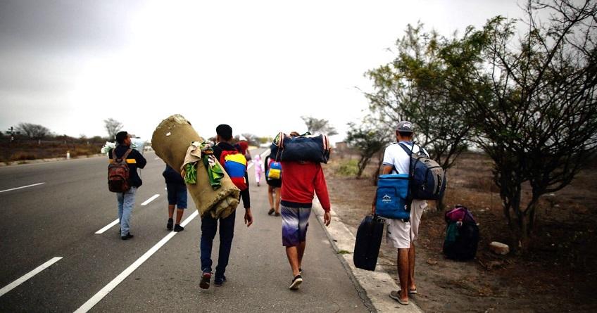 Estudio de la UCAB muestra caída de ingresos en 90% de los migrantes venezolanos en Latinoamérica