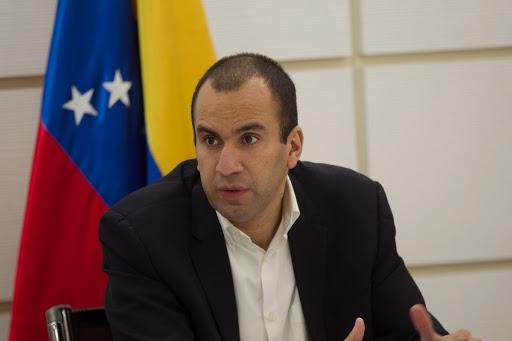 Larry Devoe aseguró que sanciones de EEUU a Venezuela privan a la población de los servicios básicos