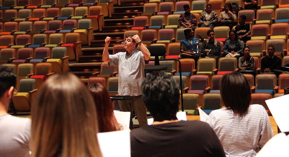 Canto coral contagia su alegría en concierto de estreno desde la Sala Virtual