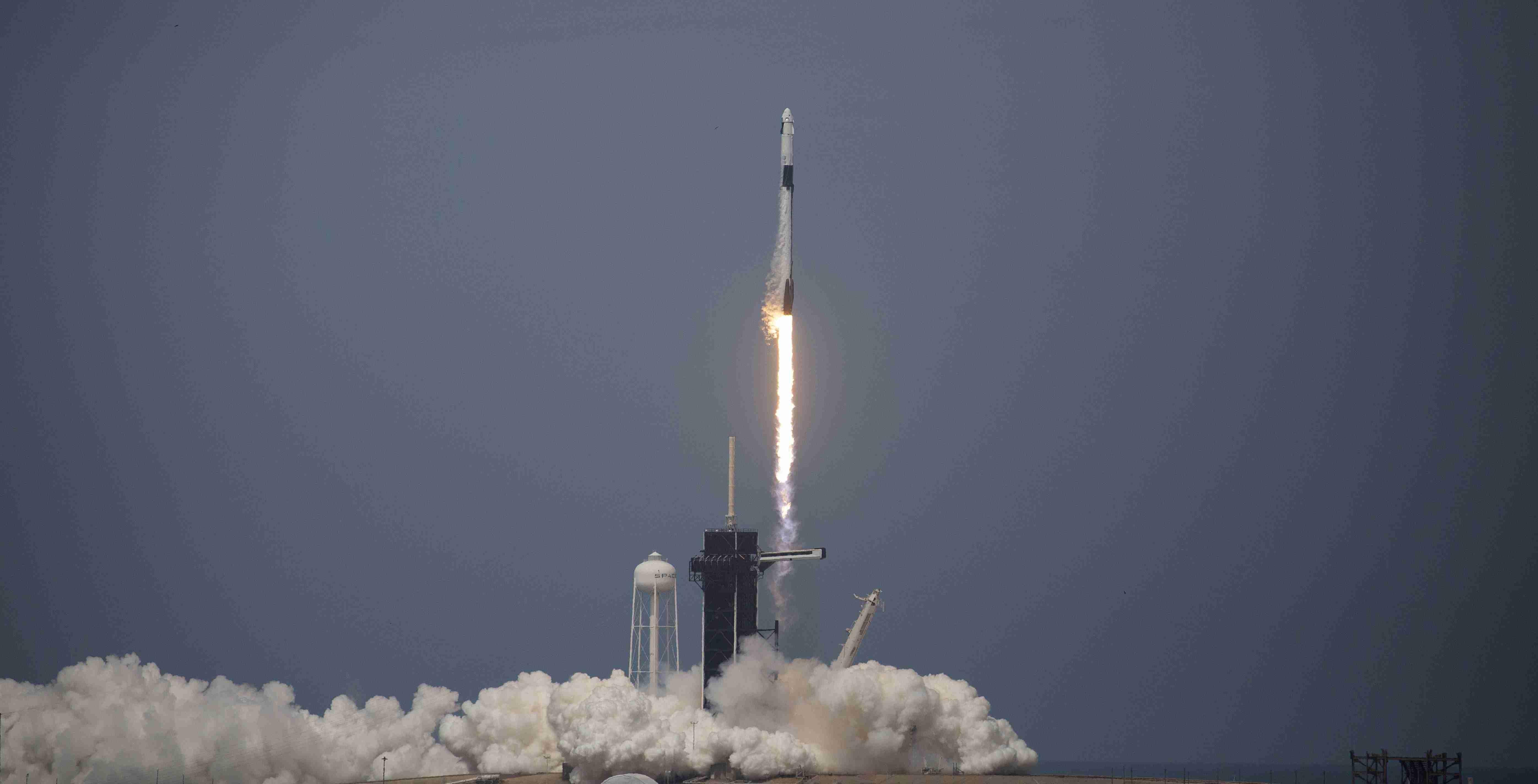 SpaceX despegó con éxito en su segundo intento