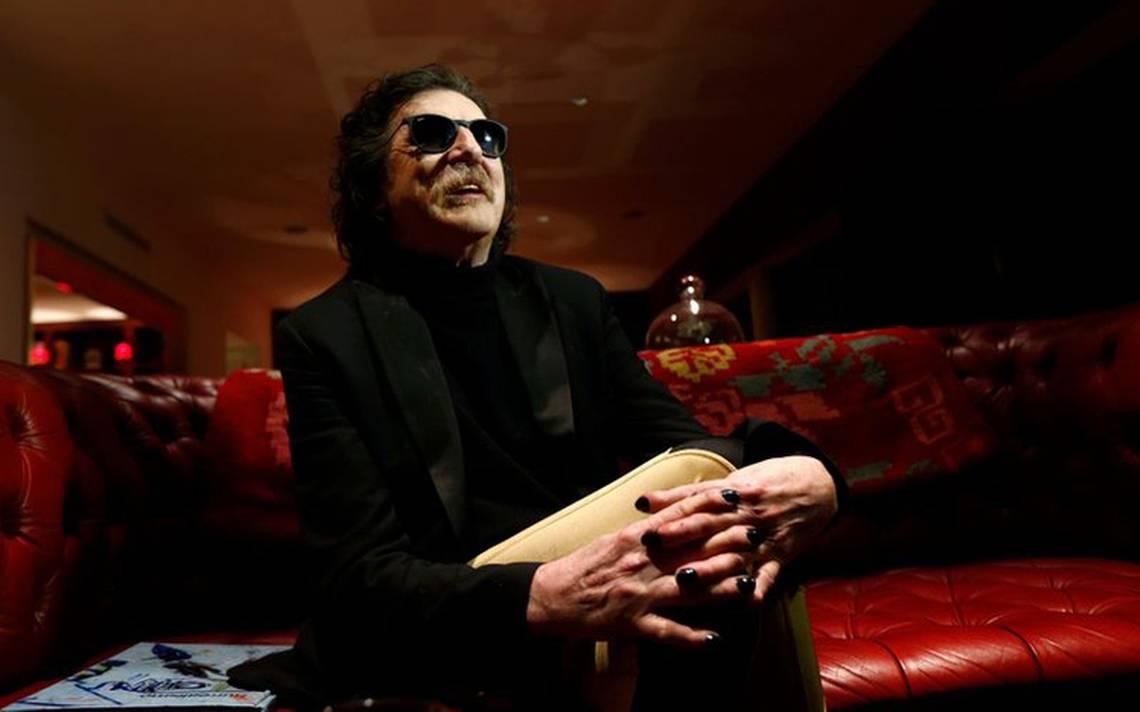 Músico argentino Charly García sigue hospitalizado aunque descartan coronavirus