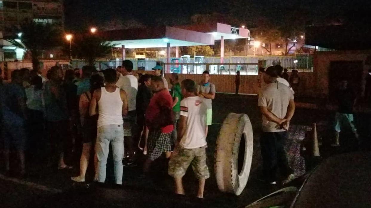 Dos protestas en menos de 24 horas por retrasos en el despacho de gasolina en La Guaira