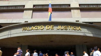 Dictaron arresto domiciliario a los periodistas Mimi Arriaga y Marco Antoima