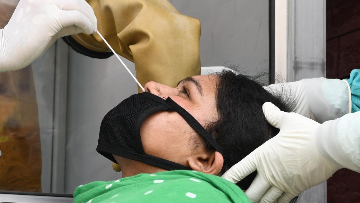 Analizan un antiviral nasal que podría bloquear la transmisión del Covid-19