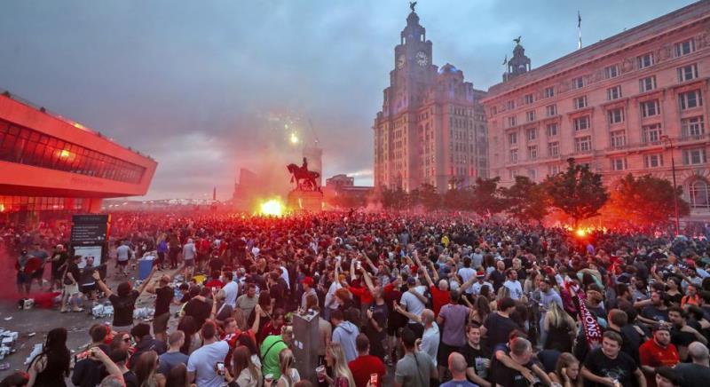"""El Liverpool hizo entonar de nuevo el """"You'll Never Walk Alone"""""""