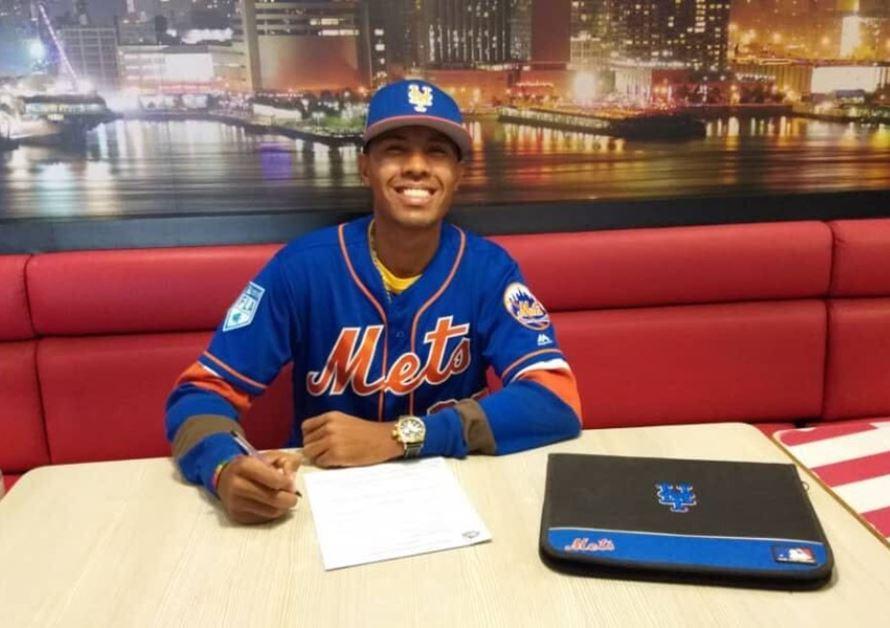Mets de Nueva York firman a prospecto venezolano que lanza 100 mph