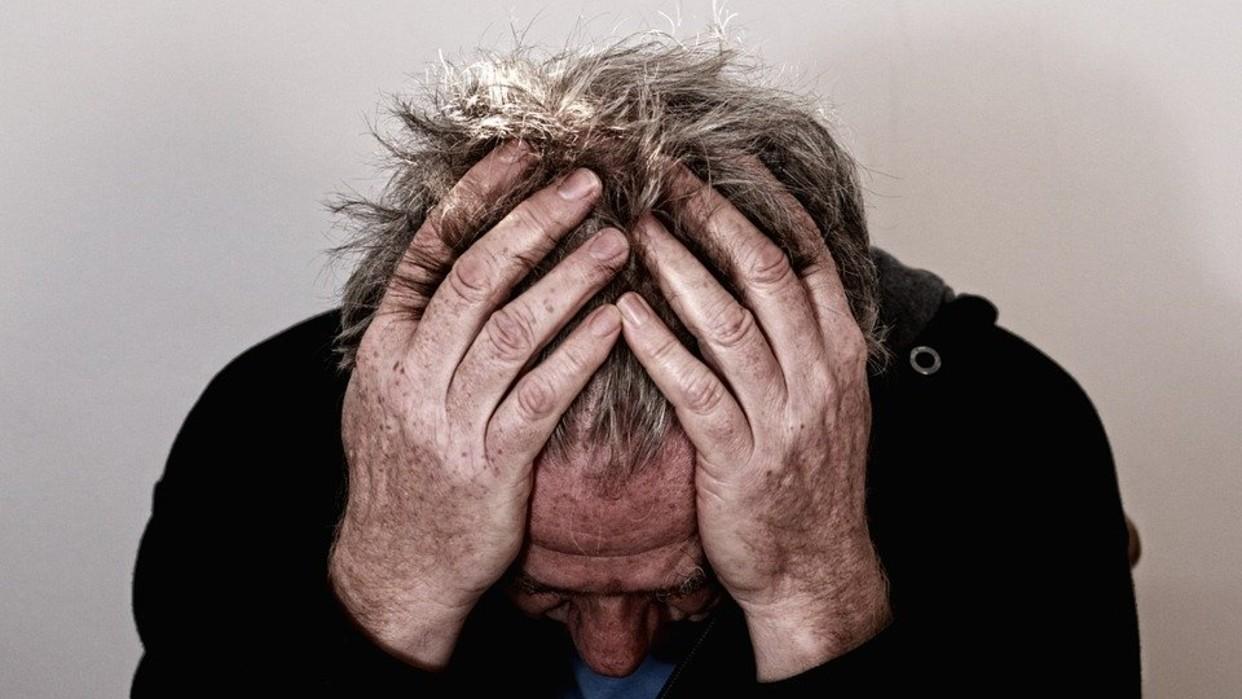 Pacientes neurológicos no son más propensos a contagiarse de Covid-19, asegura experto