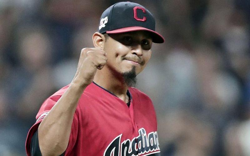 Carlos Carrasco no tiene limitaciones para lanzar con los Indios