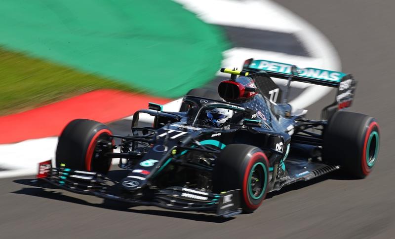 Los Mercedes comandan primeros ensayos libres en Silverstone
