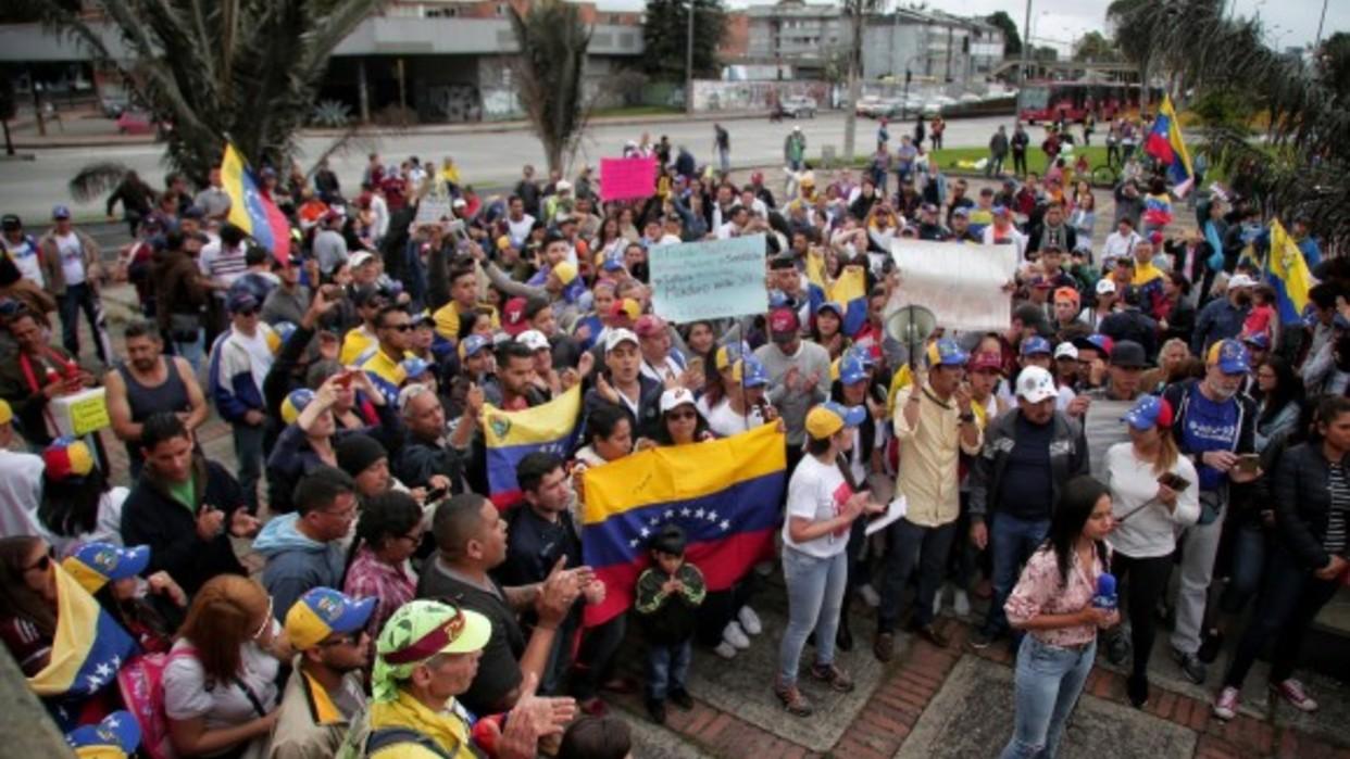 Unos 42 mil migrantes venezolanos aguardan en Colombia para viajar a la frontera y regresar al país