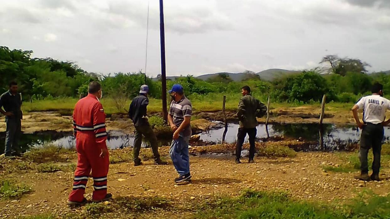 Derrame de petróleo en zonas norte y sur de Anzoátegui