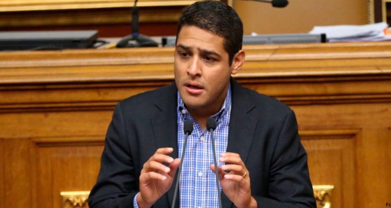 """Olivares advierte """"falsa normalidad"""" en anuncios gubernamentales sobre Covid-19"""