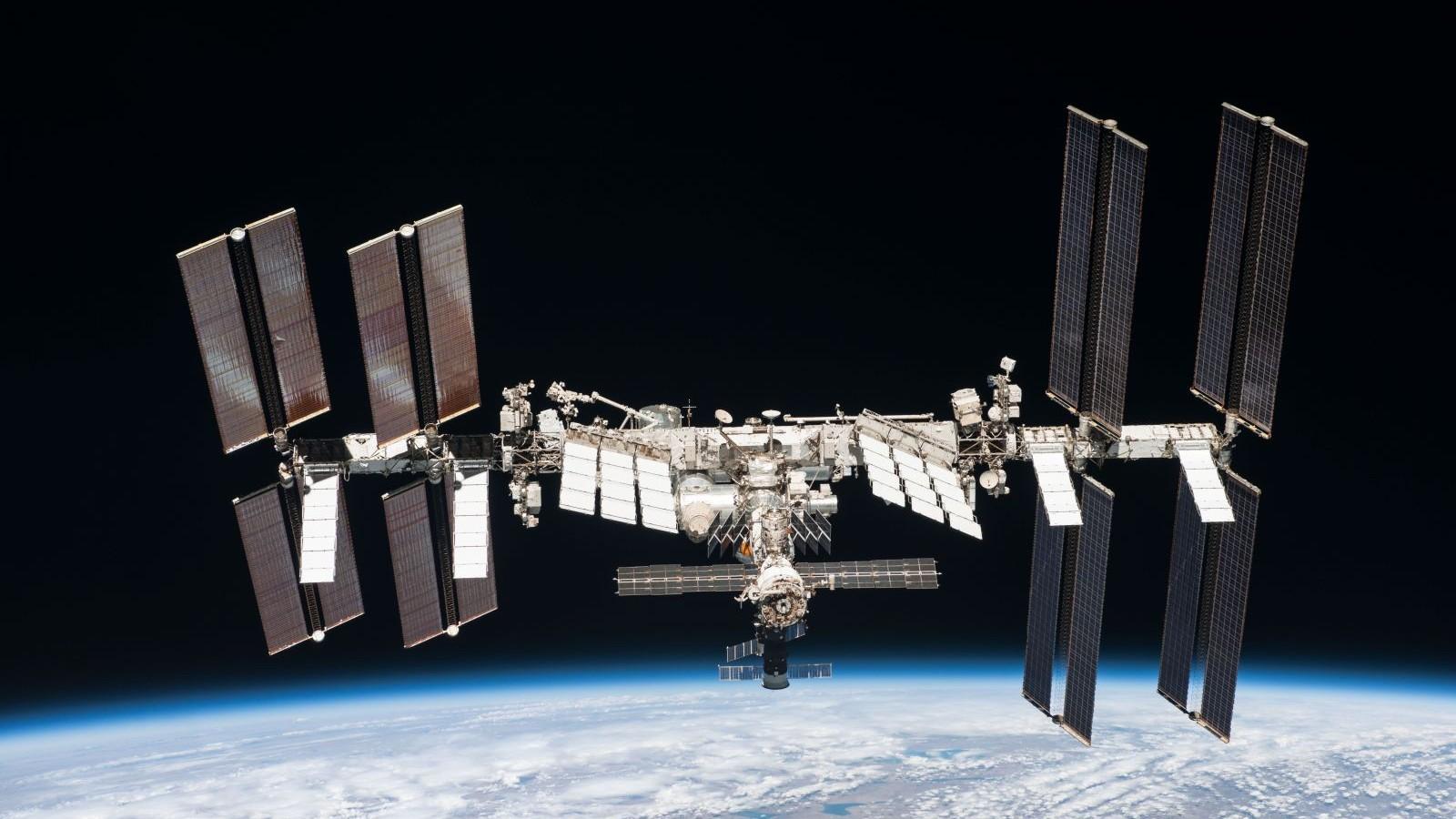 La Estación Espacial debió maniobrar para evitar una colisión con escombros de un cohete