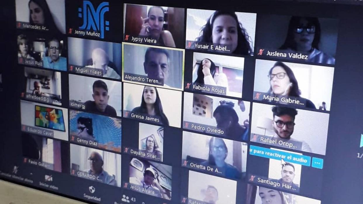 Curso de locución de la UCV arranca con el uso de medios digitales