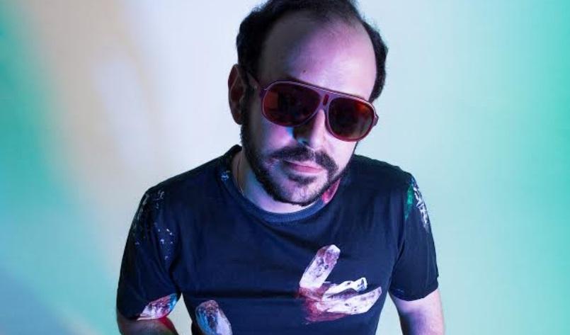José Hoek publica su segundo álbum titulado