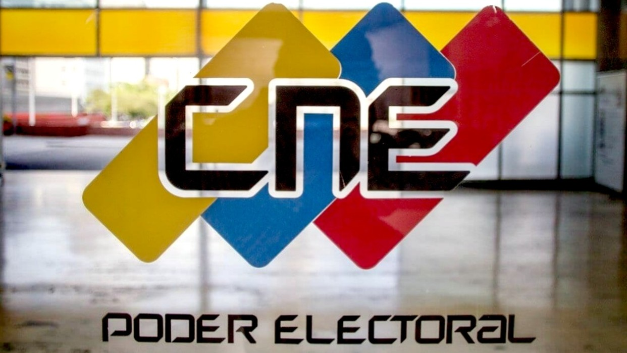 CNE realiza auditoría de las máquinas de votación a utilizarse en comicios del 6D