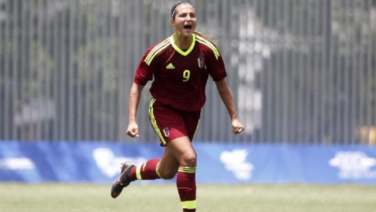 """Deyna Castellanos, """"una de las mejores futbolistas del mundo"""""""
