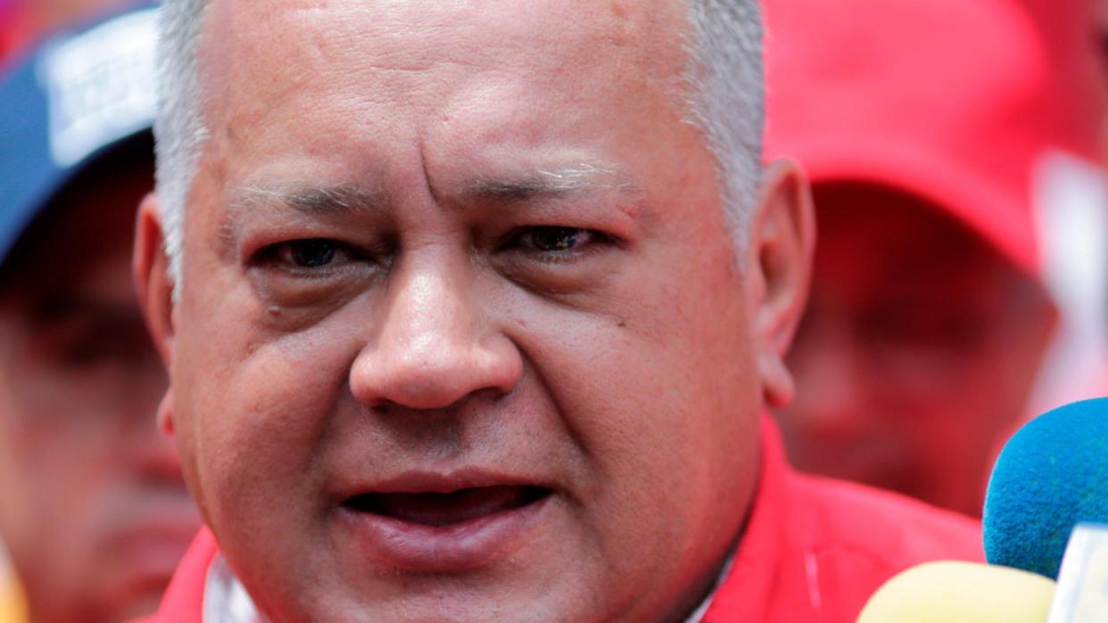 Diosdado Cabello: Leopoldo López se fue del país porque es un cobarde y está fundido