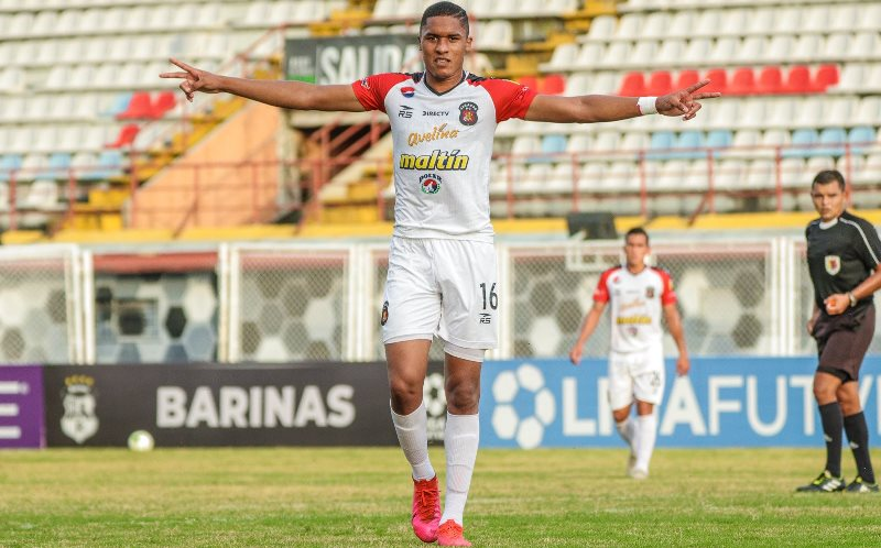 Caracas goleó al GV Maracay para escalar la punta del Grupo B