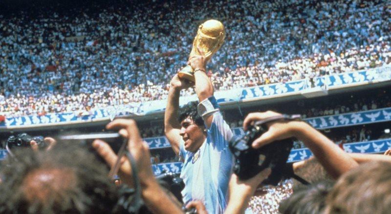 Murió de un paro cardiorespiratorio Diego Maradona