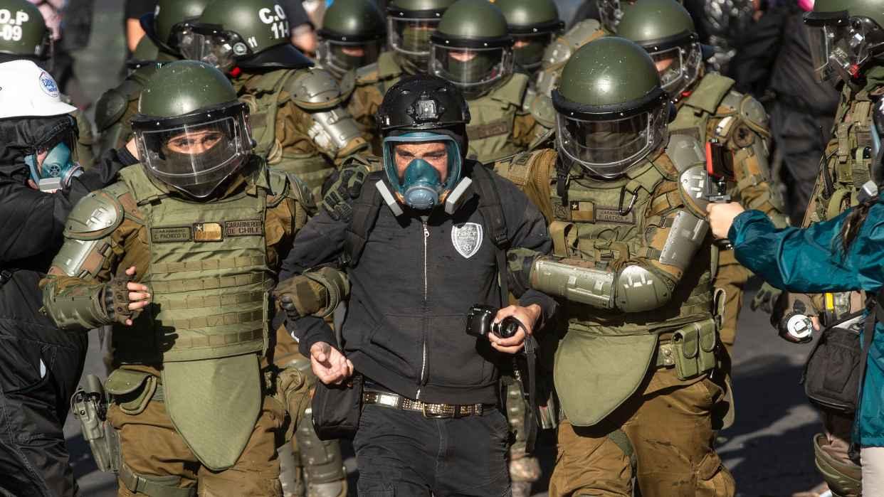 Miles vuelven a protestar en Chile para pedir renuncia de Sebastián Piñera