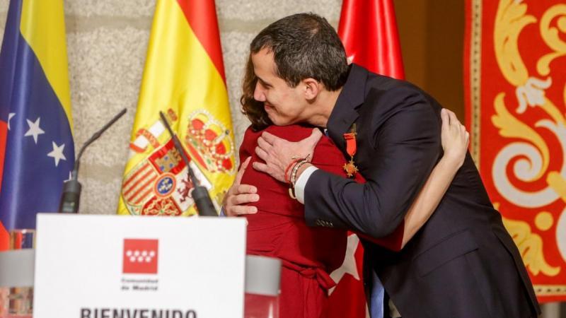 Portal español revela que Madrid pagó con dinero público la estancia de Guaidó en 2020