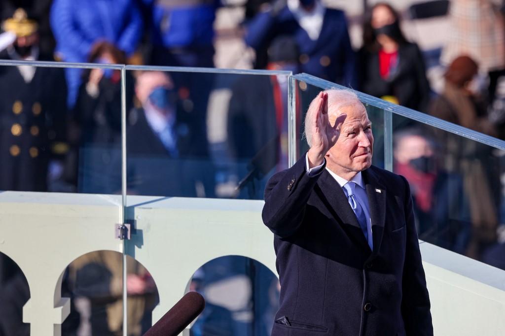Primera semana del presidente Biden: una lluvia de medidas para deshacer el legado de Trump