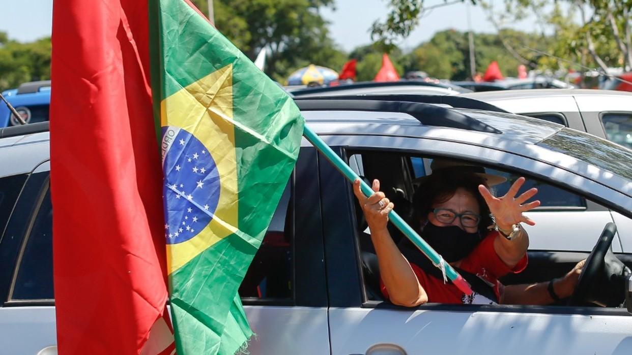Protestan contra Bolsonaro por su gestión ante la pandemia y atraso en vacunación