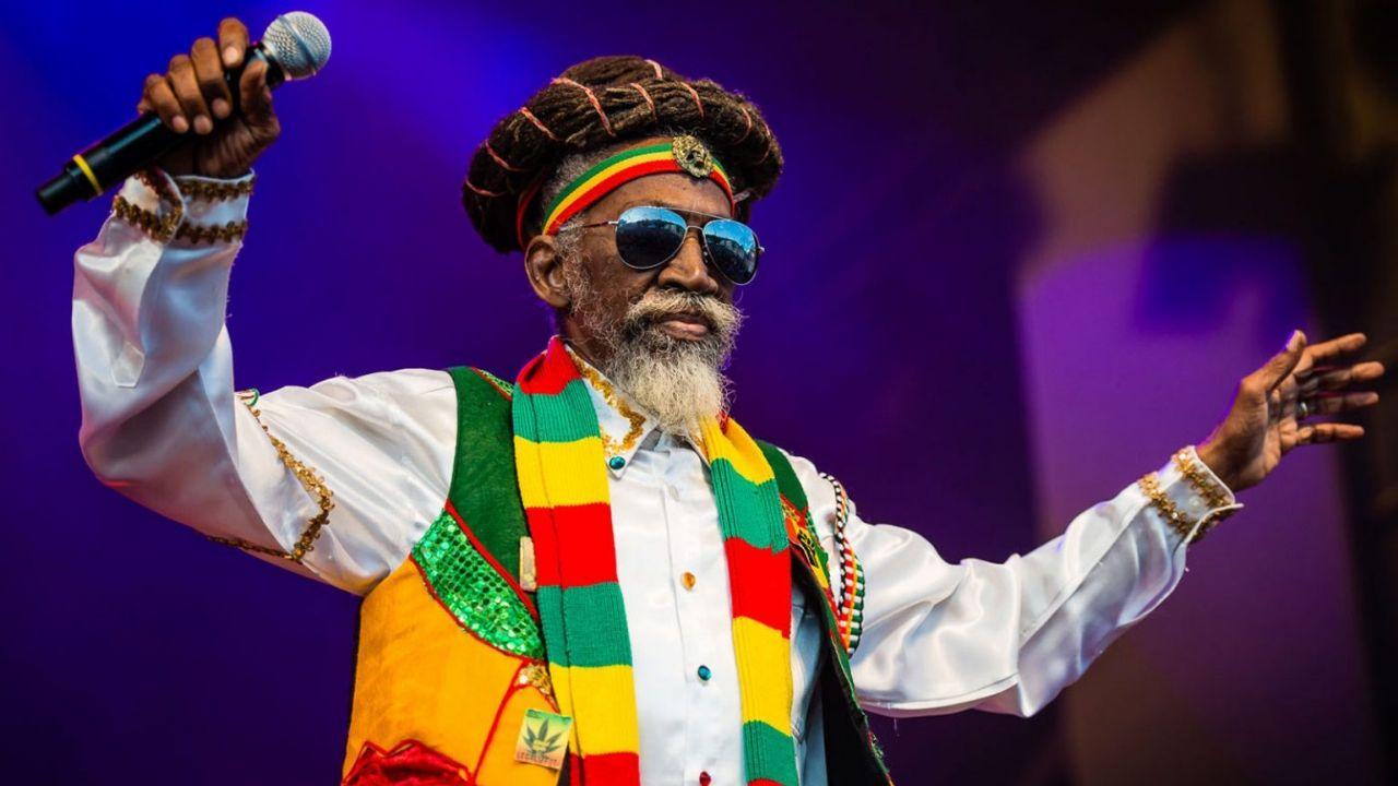 Murió Bunny Wailer, leyenda del reggae que fundó con Bob Marley la banda The Wailers