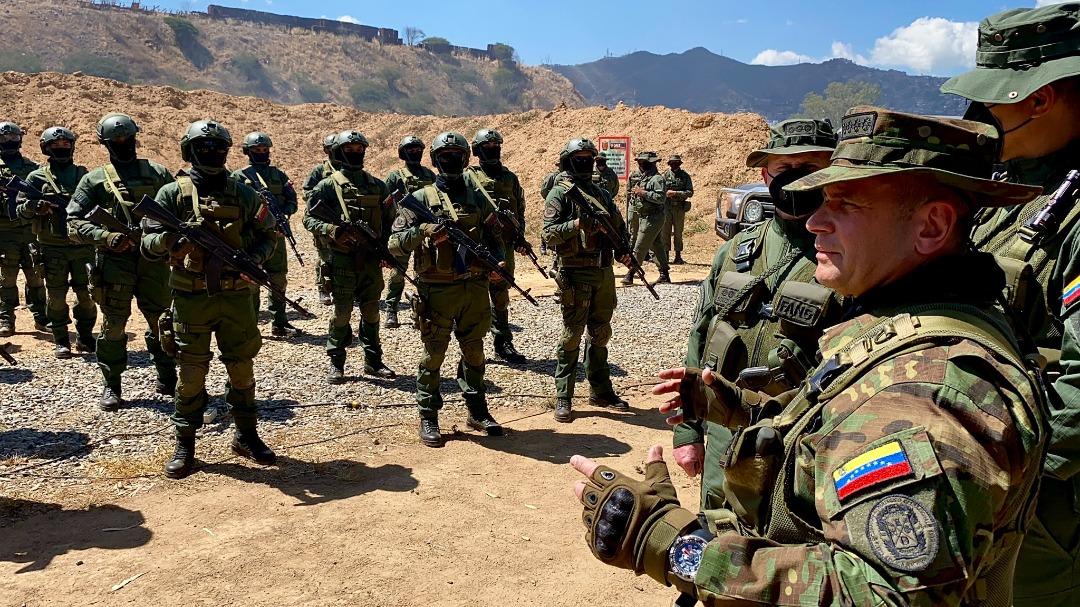 Cruz Roja analiza mediación con disidentes de las FARC para entregar militares venezolanos