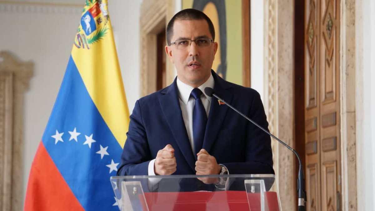 Canciller Arreaza insta a EEUU a liberar recursos bloqueados si desean aliviar las dificultades