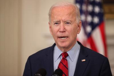Senador demócrata pidió a Biden que levante las sanciones contra Venezuela